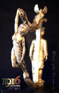 Lovin-Oven-Harp-Woman-Side-1
